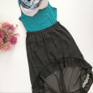 H&M black high-low skirt with border pattern